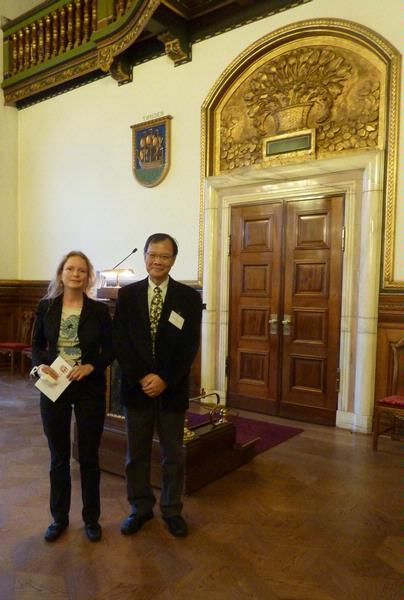 Welcome reception – Professor Chong with Copenhagen's Mayor for Health, Nina Thomsen.